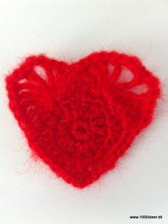 trøje med rødt hjerte fra